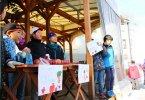 西小学校, りんご-kids-湯田中駅前で地元小学生がりんご販売