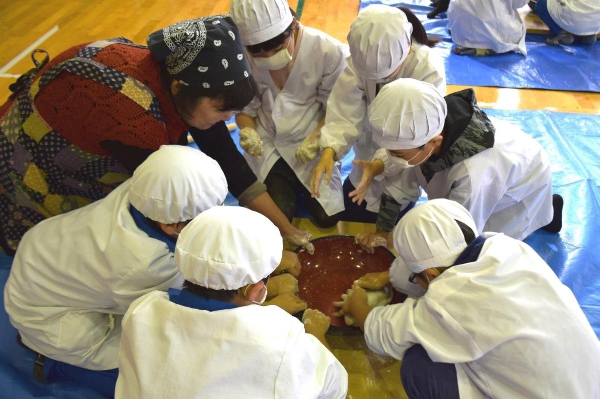 山ノ内町ユネスコエコパーク-kids-小学3年生の須賀川そば体験