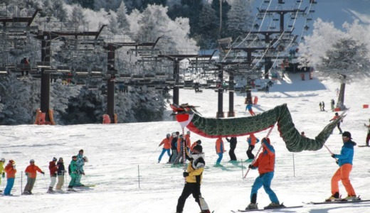志賀高原統一スキー場開き祭にAKB48チーム8登場!